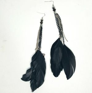 Jewelry - Feather Earings black and Silver